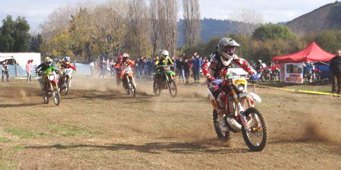 Con gran participación de pilotos emergentes se realizó encuentro de motocross en pista lajina  // LAJINO.CL es Laja en Internet