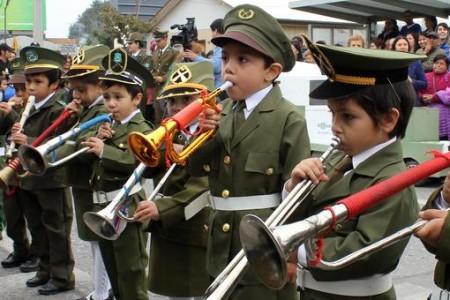 Establecimientos de Laja saludaron a Carabineros en el 88° Aniversario de la Institución