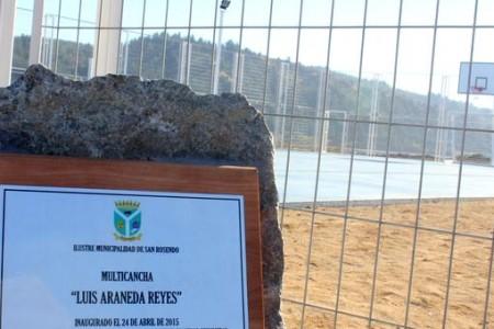En San Rosendo inauguran multicancha en memoria de Luis Araneda Reyes