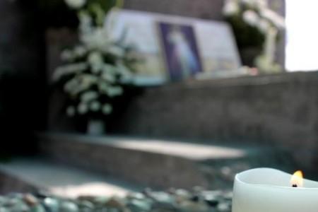 Trasladan restos mortales de Padre Félix Eicher a lugar definitivo del Cementerio Municipal de Laja