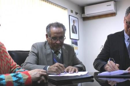 Se firma convenio de colaboración entre Municipio Lajino y la Universidad Católica de la Santísima Concepción