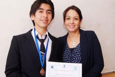 """Alumno del Liceo """"Héroes de la Concepción"""" destaca en Olimpiadas de Matemáticas"""