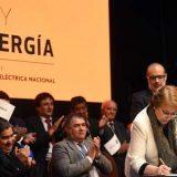 Jefa de Estado promulga Ley de Equidad Tarifaria en Servicios Eléctricos