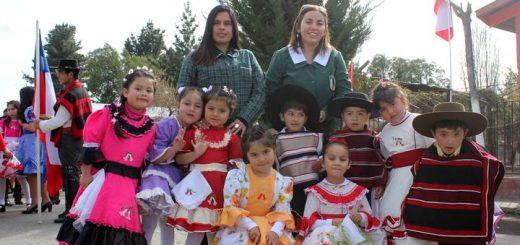 Santa Elena vistió de colores en desfile de Fiestas Patrias