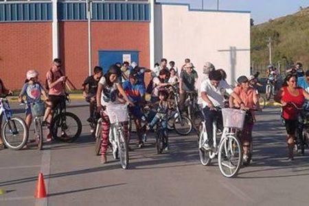 Más de medio centenar de participantes tuvo Cicletada Familiar en Laja