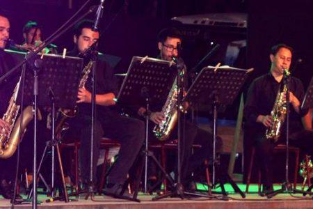 Lajinos disfrutaron de una noche de jazz en plena Plaza Cívica
