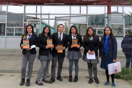 Liceanos realizan actividades por el Día del Libro y preparan revista poética