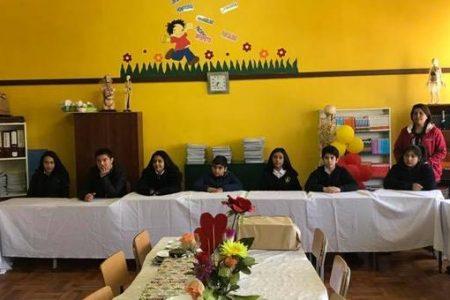 Alcalde de San Rosendo comparten con alumnos que superaron puntajes Simce