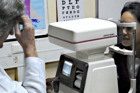 Estudiantes lajinos recibieron atención oftalmológica gratuita
