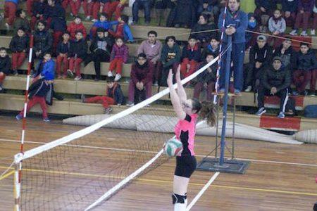 Voleibol escolar jugó etapa provincial en la comuna de Laja
