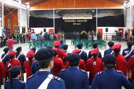 Autoridades y alumnos participaron en conmemoración del Natalicio de Bernardo O'Higgins
